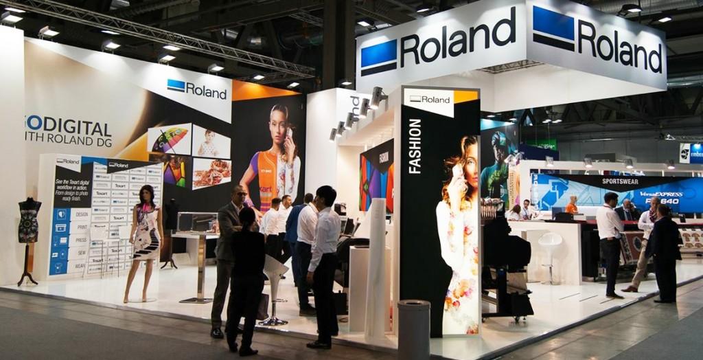 Stand de Roland en la ITMA de Milán.